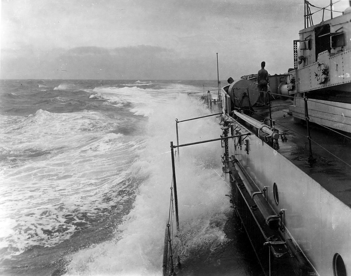 Royal Canadian Navy : HMCS Ontario, 1945
