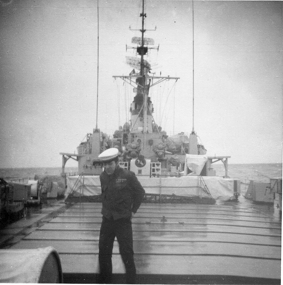 Royal Canadian Navy : Fred Bernhard.