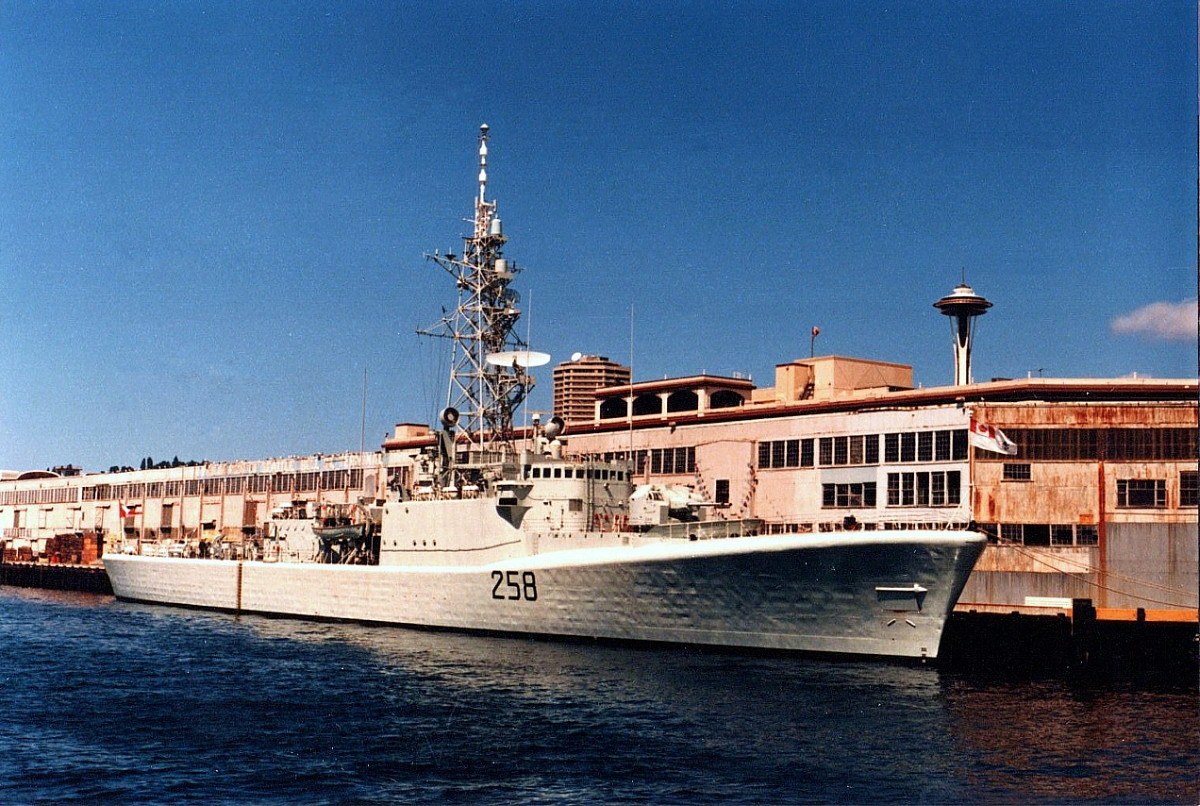 Royal Canadian Navy : HMCS Kootenay.