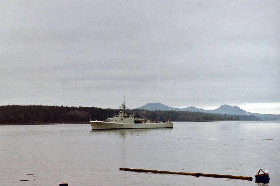 Royal Canadian Navy : HMCS Yukon.