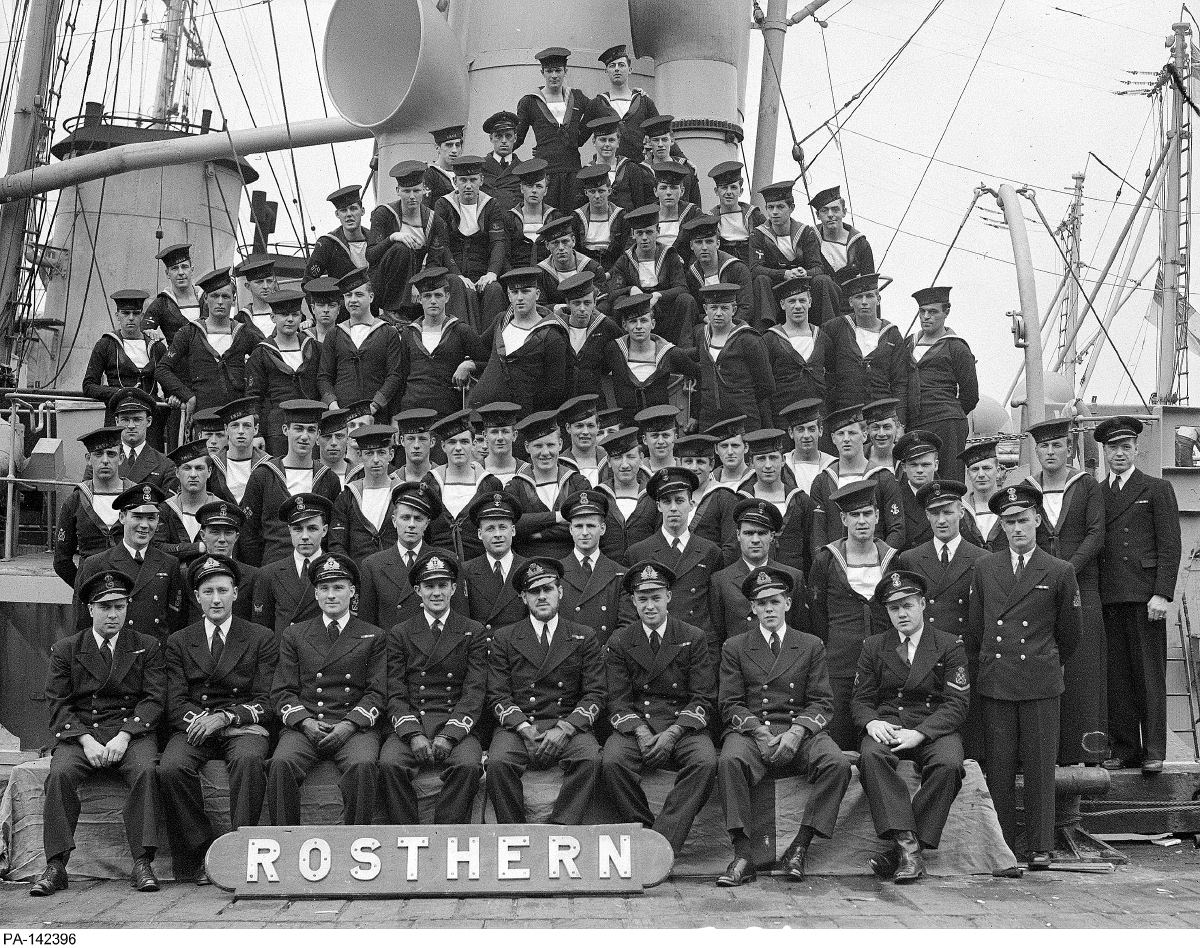 Royal Canadian Navy : HMCS Rosthern, 1944. DND official photo #PA-142396.