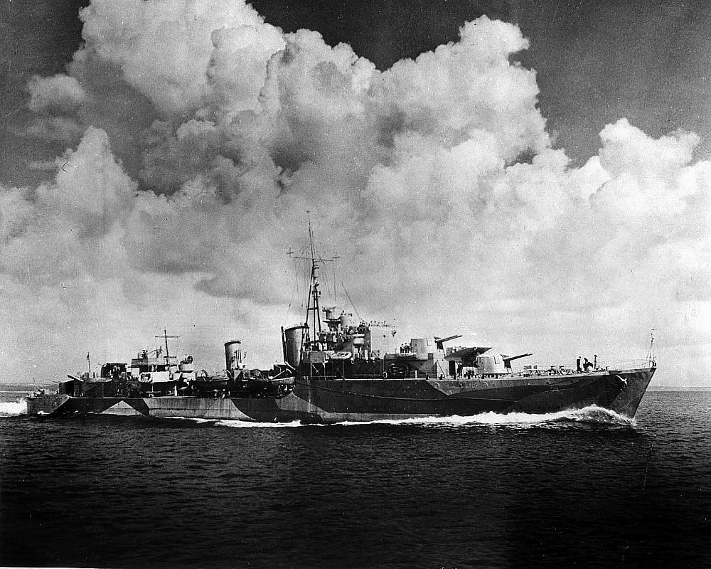 HMCS Athabaskan, 1944, DND photo