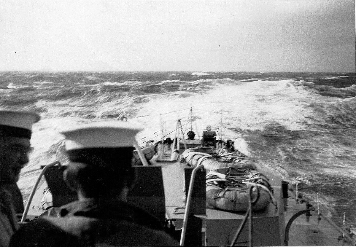 Royal Canadian Navy : HMCS Quebec, 1953